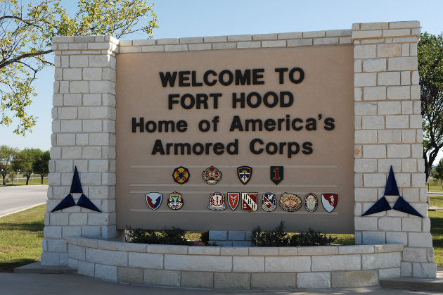 Fort-Hood-Welcome-Sign-Wikimedia-Commons2